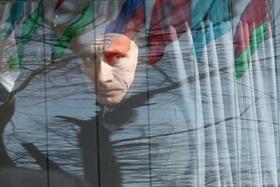 Putin_v_auto_lico
