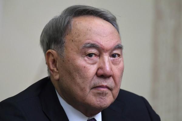 nazarbaev-uxodit-s-posta-prezidenta-no-ostaetsya-liderom-nacii
