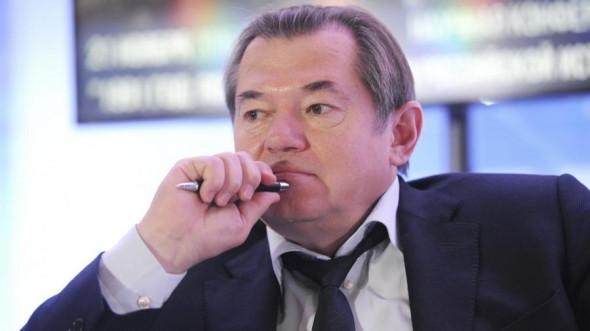 kuda-glazev-glyadit-sovetnik-prezidenta-uxodit-iz-ap