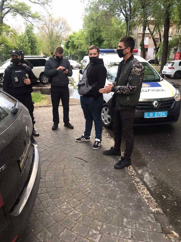v-zaporozhe-policiya-provodit-obyski-4