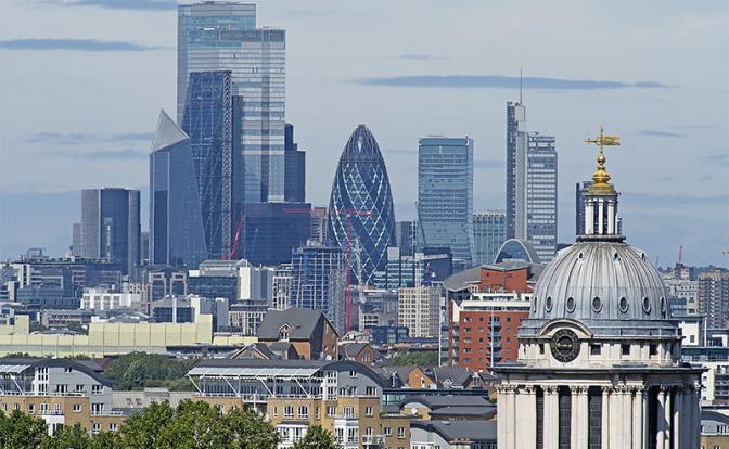 v-london-v-obxod-zapretov-dlya-elity-pandemii-ne-sushhestvuet