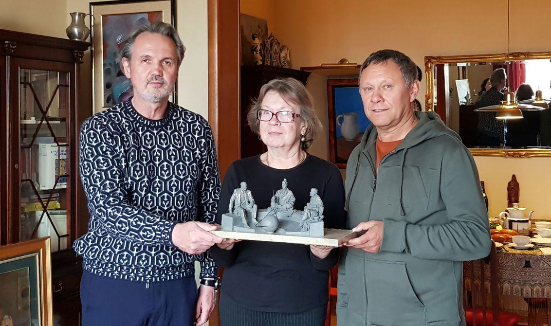 andrej-kovalchuk-predstavil-eskiz-monumenta-mysliteli-sokrat-konfucij-i-zinovev